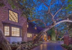 Biệt thự cổ điển 16 triệu USD của Reese Witherspoon