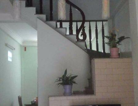 Nhà có việc gấp cần bán căn nhả tổ 12 Thạch bàn. Sạch sẽ, thoáng mát! Lh 01654806613
